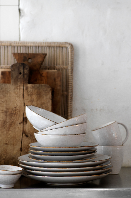 broste 39 hessian 39 tableware by broste copenhagen is beautifully textured with a light brown rim. Black Bedroom Furniture Sets. Home Design Ideas